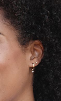 We heard you like hoops and pearls. So we designed the Pearl Hoops, enjoy. - We heard you like hoops and pearls. So we designed the Pearl Hoops, enjoy. Double Ear Piercings, Cute Ear Piercings, Ear Piercings Cartilage, Double Cartilage, Tongue Piercings, Cartilage Piercings, Rook Piercing, Piercing Ideas, Double Earrings