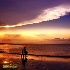 Tropische Sonnenuntergänge an den Stränden Thailands lassen alles andere auf der Welt in Vergessenheit geraten. Wenn dich auch die Sehnsucht packt und du keine Lust auf Pauschaltourismus hast, sind wir auf travelyst.de jederzeit für eine individuelle Anfrage offen. Wir gehen dann für dich los und suchen dir die besten Angebote der Reisebüros raus. Angebote, die wirklich zu Dir passen!