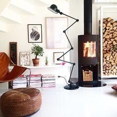 Le lampadaire Jieldé Loft D9406 est un véritable Classique de la gamme Jieldé. Articulés grâce à 6 bras de 40 cm chacun,  le rendent parfait pour les environnements de travail les plus exigeants ainsi que pour la maison. Vous apprecirez la diversité des couleurs afin de l'intégrer au mieu dans votre intérieur. LUMITOP PROPOSE EN EXCLUSIVITÉ 23 COLORIS PEINTURE AINSI QUE CHROME ET ACIER BROSSÉ.  www.lumitop.com