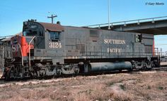 (C-643DH). Southern Pacific #9152.   Alco C-643DH experimental Diesel Hydraulic Locomotive.    (AAR)  C-C, 4300 H.P., built 1964.  Dual 12-251C engines.This  locomotive was a Southern Pacific trademark, built only for that railroad.