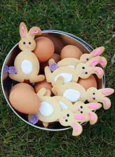 The photos belong to their respective owners and are assumed to be in the public domain. Royal Icing Cookies, Cupcake Cookies, Cupcakes, Sugar Cookies, Easter Cookies, Easter Treats, Holiday Desserts, Holiday Treats, Oats Snacks