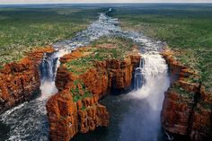 King George Falls is spectacular a dual waterfall that drops 80 meters vertically into a dramatic gorge, making it the tallest waterfall in the Kimberley of Western Australia Western Australia, Australia Travel, Australia 2017, Parc National, National Parks, Places To Travel, Places To See, Australia Occidental, Travel Pictures