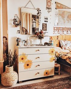 Boho sunshine bedroom ideas, sun flower drawer, rugs and plants cute bedroom ideas and decor Dresser, Lowboy, Chest Of Drawers, Dresser Top, Credenza, Dressers, Tack Box, Closets