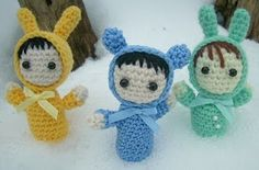 FREE pattern! You can make these little guys as personal as you like. Make them of someone you like or you! Have fun with it. Change the color of the suit or hair and the details you use.