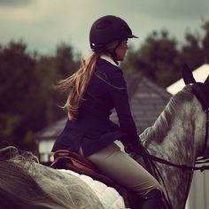 The classic English riding look - we love!