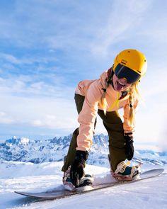 Lake Louise Ski Resort, Best Ski Goggles, Snowboarding Style, Snowboarding Women, Snowboard Girl, Ski Girl, Ski Season, Snow Skiing, Ideias Fashion