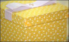Caixinhas em MDF forradas em tecido 100% algodão.
