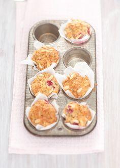 Raspberry & pinenut muffins - Il cavoletto di Bruxelles