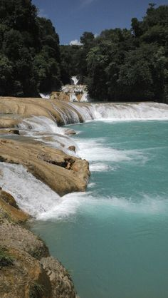 Cascada de agua azul chiapas