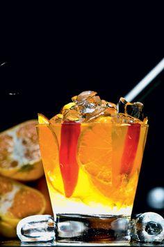 caipirinhas                                                                                                                                                                                 Mais Bar Drinks, Cocktail Drinks, Alcoholic Drinks, Beverages, Cocktails, Us Foods, Summer Drinks, Copycat Recipes, Love Food