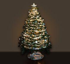 Árbol de navidad plateado Xmas, Christmas Tree, Barcelona, Holiday Decor, Google, Home Decor, Colors, World, Silver Christmas Tree