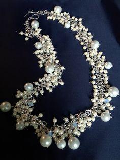 Elegant long multi-pearl necklace
