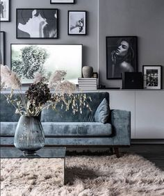 ideas for a perfect living room - Interior Goals - Vase ideen Living Room Grey, Home Living Room, Apartment Living, Interior Design Living Room, Living Room Designs, Living Room Decor, Contemporary Living Room Furniture, Living Room Ideas With Grey Couch, Black Living Room Furniture