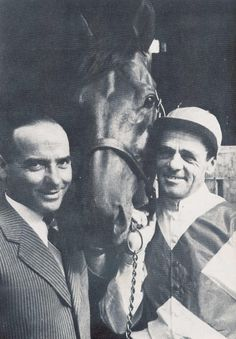 """Ribot with his trainer Ugo Penco, and jockey Enrico Camici"""
