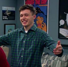 Give me a hug baby😚 Nick Robinson, British Actors, American Actors, Love Simon, Actors Male, Tumblr Boys, Good Looking Men, Shawn Mendes, Pretty Boys