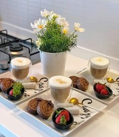 Dining Etiquette, Snap Food, Food Decoration, Food Goals, Breakfast Lunch Dinner, Yummy Food, Delicious Desserts, Food Presentation, Food Plating