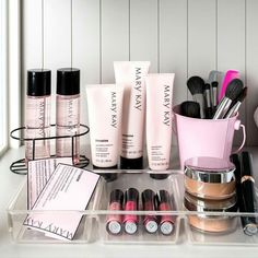 There's almost nothing better than an organized beauty space and fresh new products. Contact me if you are in need of a product refresh! http://expi.co/01UXLG