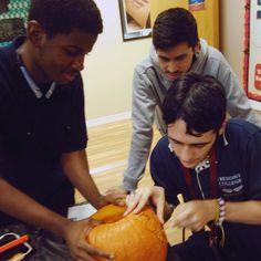 Carving pumpkins at the Cerritos campus. #Halloween #pumpkins #pumpkincarving #fremontcollege #funtimes #trickortreat