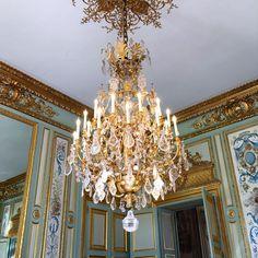 Chandelier, Royal Palace, Paris France, Ceiling Lights, Instagram, Decor, Transitional Chandeliers, Candelabra, Decoration