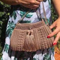 Crochet Handbags, Crochet Purses, Crochet Home, Crochet Yarn, Crochet Animals, Handmade Bags, Small Gifts, Fabric Crafts, Fashion Bags