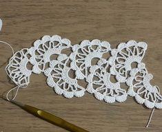 Crochet Tape Lace Tutorial 5 part 1 of 2 Crochet Motifs Crochet Doily Rug, Gilet Crochet, Crochet Borders, Crochet Shawl, Crochet Stitches, Knit Crochet, Crochet Hairband, Crochet Bracelet, Doily Patterns