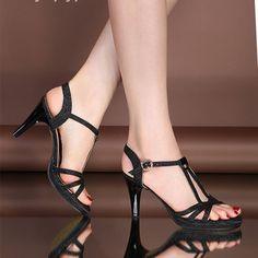 Duy Nguyệt Fashion chuyên cung cấp sỉ lẻ giày cao gót cao cấp - đẹp - chất lượng cao - với giá rẻ Tp.HCM - Toàn Quốc - SHIP Free khi mua 2 sản phẩm.