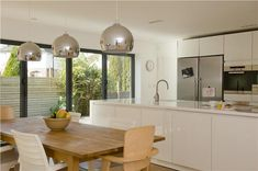 Modern Kitchen painted in Farrow & Ball - Strong White Modern Kitchen Paint, Home Decor Kitchen, New Kitchen, Kitchen Interior, Kitchen Ideas, Kitchen Inspiration, Color Inspiration, Open Plan Kitchen Diner, Bright Kitchens