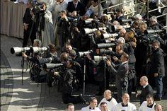 Los reporteros gráficos acreditados para la asunción del Papa Francisco. (ANSA)