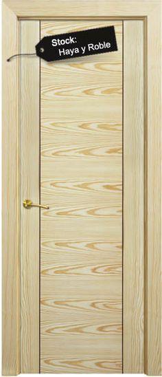 Puerta en BLOCK (incluido en block: la puerta, cerco de 70X30mm, 5 tiras de tapajutas de 70x10, pernios y resbalón. Todo montado y embalado)  , MACIZA, rechapada en madera natural y barnizada, lista para colocar.
