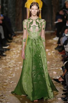 Valentino | Haute Couture - Spring 2016 | Look 56