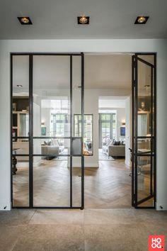 Stalen binnendeuren met glas