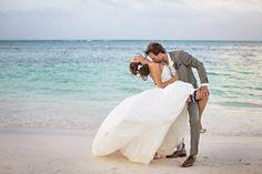 photo de mariage romantique et sexy à la plage