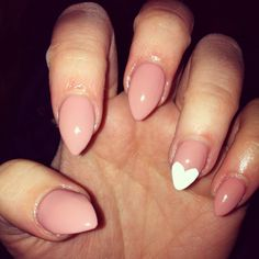 Shellac nails heart nude