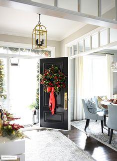 Christmas Living Rooms, Christmas Home, Christmas Ideas, Christmas Entryway, Christmas Inspiration, White Christmas, Christmas Wreaths, Magnolia Centerpiece, Front Door Entryway
