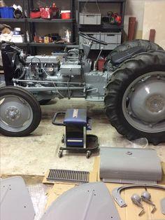 Antique Tractors, Vintage Tractors, Ford Tractors, Mini Trucks, Parcs, Gas Station, Heavy Equipment, Classic Cars, Monster Trucks