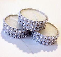Decora tu despedidas de soltera de una forma muy original con estas velas con diamantes de fantasía  $15.00 www.almostqueens.com
