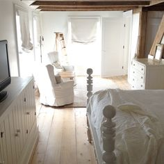 50 best white flower farmhouse images on pinterest in 2018 white farmhouse bedroom with sitting area mightylinksfo