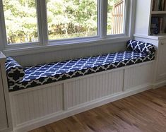 Custom window seat cushion and bolster pillows featuring Premier Prints Fynn Blue/White fabric. Corner Window Seats, Window Seat Storage, Window Seat Cushions, Bench Cushions, Custom Cushions, Window Bench Seats, Kitchen Window Seats, Dog Window Seat, Daybed Mattress
