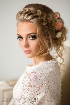 Featured Wedding Hairstyle: lavish.pro; www.lavish.pro; Wedding hairstyle idea.