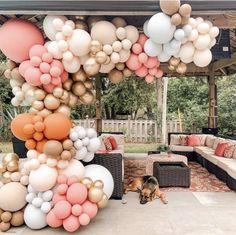 Balloon Backdrop, Balloon Decorations Party, Balloon Garland, Birthday Decorations, Balloon Ideas, Table Decorations, Country Birthday Party, Balloons Galore, Champagne Birthday