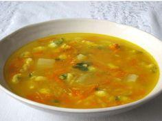 Jesenná zeleninová polievka • Recept | svetvomne.sk Thai Red Curry, Ethnic Recipes, Soups, Peeling Potatoes, Eat Lunch, Food Food, Cooking, Soup
