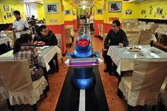 ROBÓTICA E ROBÔS: Restaurante com 20 robôs como garçons e cozinheiro...