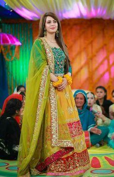 Latest Asian Bridal Mehndi Suits For Yr 19 Collection With Price Tag Shadi Dresses, Pakistani Dresses Casual, Pakistani Wedding Outfits, Pakistani Dress Design, Bridal Outfits, Pakistani Mehndi Dress, Mehendi, Red Lehenga, Lehenga Choli