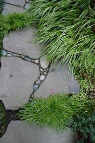 yard mosaic | Jeffrey Bale Pebble Mosaic