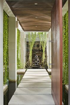 Villa Joss by Bali Villa Rental Photo Gallery, Bali Architecture, Tropical Architecture, Modern Tropical, Tropical Houses, Patio Interior, Interior And Exterior, Wall Exterior, Bali House, House Entrance