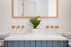 Hanstone Strato Countertop with wall-mounted Kohler Purist in Vibrant Moderne Brushed Gold faucets