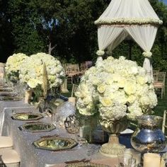 Popular Champagne Rose Varieties: Quicksand, Sahara, Early Grey, Sahara Sensation, and Menta Bridal Bouquet Fall, Wedding Bouquets, Early Grey, Rose Varieties, Spray Roses, Flower Making, Orchids, Succulents