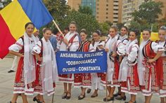 romanian girls flag romanians traditional dress nationale romanesti