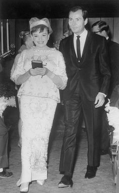 Wedding of Judy Garland & Mark Herron, November (her marriage) Celebrity Wedding Photos, Celebrity Couples, Celebrity Weddings, Star Wedding, Wedding Pics, Wedding Bride, Hollywood Wedding, Old Hollywood, Hollywood Glamour