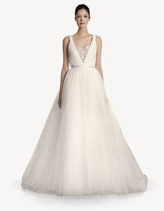 Carolina Herrera - Jocelyn - Fall 2013 #weddingdresses